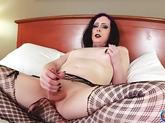 Lyn Landra is another super sexy model who got her chance to introduce herself to the world as a part of our `Try Out Tuesday` series. Discovered by Radius Dark, this pretty Seattle girl made her debut two weeks ago. Today, she`s back for more! Looking se